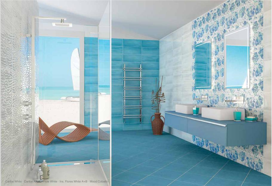 Idee per un bagno blu e bianco u design e abbinamento colori
